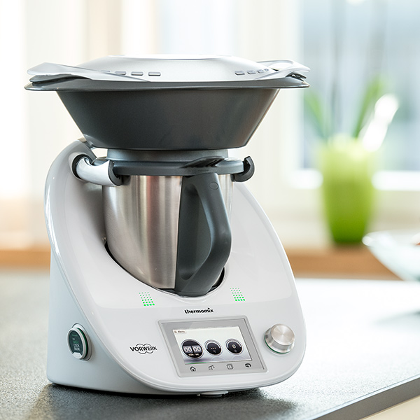 drop_img_thermomix_in_kitchen-001